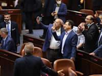 חברי הרשימה המשותפת אחרי הפלת חוק האזרחות / צילום: נועם מושקוביץ-דוברות הכנסת