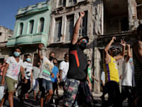 הפגנה המונית נגד השלטון הקובני, הוואנה / צילום: Reuters, Alexandre Meneghin