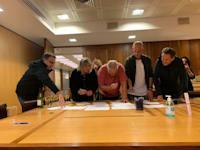 מעמד החתימה על מכירת פסגות לאטשולר שחם / צילום: יחצ