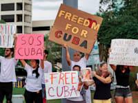 מפגינים נגד הממשל בקובה / צילום: Shutterstock