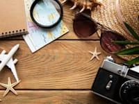 """אחת הדרכים המוכרות להוזלת הגלישה בחו""""ל היא רכישת כרטיס סים מקומי, אך זה לא מתאים לכולם / צילום: Shutterstock, almaje"""