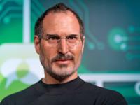 סטיב ג'ובס. הוציא את האייפון לשוק כשהוא כבר בגיל 52 / צילום: Shutterstock, Photo Oz