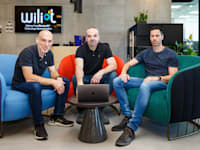 מייסדי Wiliot אלון יחזקאלי (מימין), טל תמיר וירון אלבוים / צילום: טיטאן מיתוג/ נמרוד גנישר