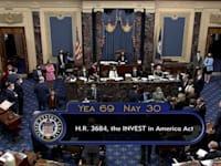 הסנאט בתום ההצבעה על הצעת החוק / צילום: Reuters, U.S. Senate Pool TV