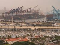 עומס בנמל לוס אנג'לס / צילום: Associated Press, Damian Dovarganes