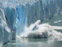 הפשרת קרחונים. אחת מתוצאות ההתחממות הגלובלית / צילום: Shutterstock, Bernhard Staehli
