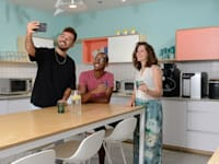 מימין: ליאור ולדמן, עוזי ביטאו, ארז אטיאס. במשרדי וויקס / צילום: איל יצהר