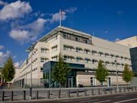 שגרירות ארה''ב בברלין. לפחות שני דיפלומטים אמריקאים המוצבים בגרמניה ביקשו טיפול רפואי / צילום: Shutterstock, Altrendo Images