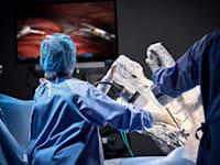 מערכת הרובוטיקה ''דה וינצ'י'' של אינטואיטיב / צילום: Intuitive Surgical
