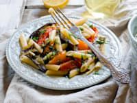 פסטה ברוטב ירקות קלויים / צילום: Shutterstock