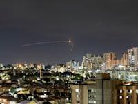 כיפת ברזל מיירטת רקטה ששוגרה מרצועת עזה לעבר ישראל מעל שמי אשקלון / צילום: Reuters, AMIR COHEN