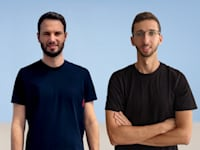 יזמי חברת Upswift, עמית עזר (מימין) ואיתן צ'ודנובסקי / צילום: ג'ייפרוג