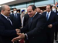 ראש הממשלה נפתלי בנט נפגש עם נשיא מצרים עבד אל-פתח א-סיסי / צילום: קובי גדעון-לע''מ