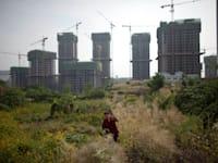 פרויקט בנייה בפאתי צ'ונגצ'ינג בסין / צילום: Associated Press, Alexander F. Yuan