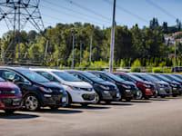 מכוניות מדגם שברולט בולט / צילום: Shutterstock, CineCam