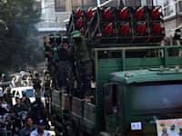 תהלוכת ראווה של חמאס ברצועת עזה / צילום: Associated Press, Yousef Masoud