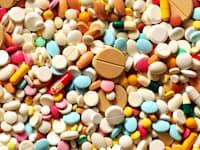 תרופות. הקורונה החריפה את תהליך הפוליטיזציה של שרשרת האספקה / אילוסטרציה: Shutterstock, Pavel Kubarkov