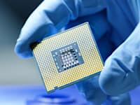 שבב עשוי סיליקון. משמש בתעשיות רבות / צילום: Shutterstock