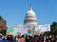 הפגנה מול גבעת הקפיטול של פעילי סביבה הקוראים לפעול נגד שינויי האקלים, ספטמבר / צילום: Associated Press, Jose Luis Magana