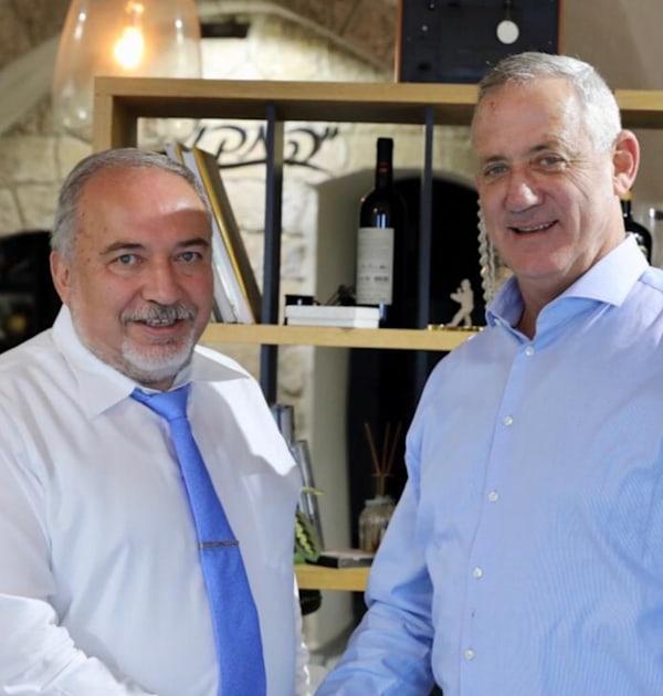 שר הביטחון גנץ ושר האוצר ליברמן / צילום: אלעד מלכה