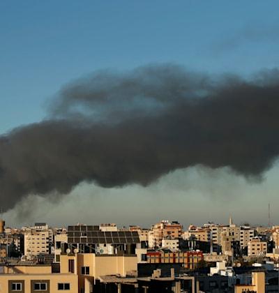 עשן לאחר תקיפות חיל האוויר בעזה