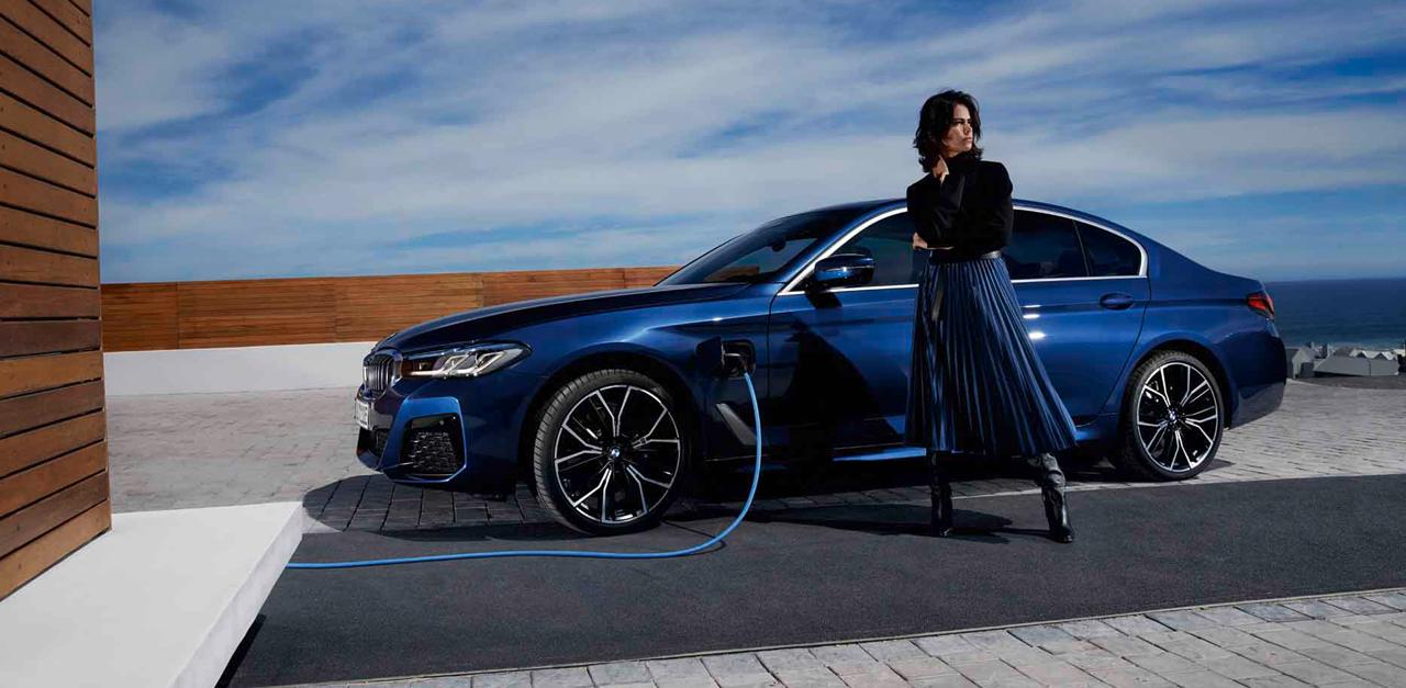 BMW מסדרה 5 פלאג אין היבריד. לסייע במעבר לעידן החשמלי / צילום: באדיבות BMW