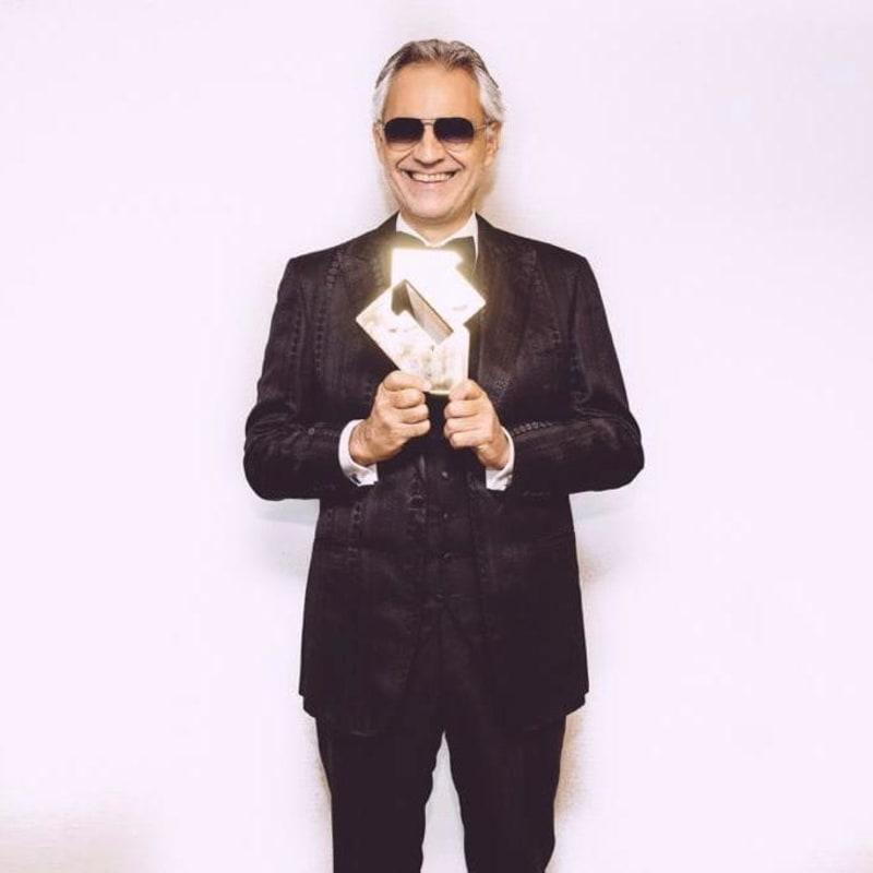 """Andrea Bocelli's Album """"Si"""" Hits #1"""