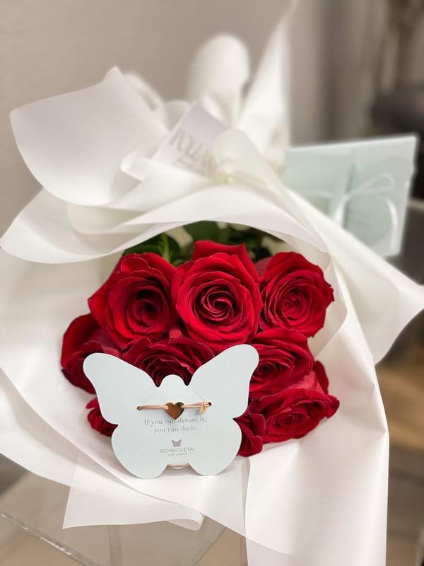 Crvena ruža u bijelom dekorativnom papiru ruže 9 komada + Borboleta Classic narukvica Srce 18KT pozlata - Mocha (CC-MC-30)