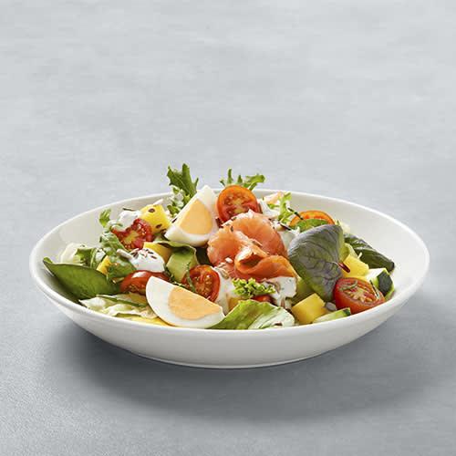 Salada de Salmão Fumado c/ Ovo, Manga e Legumes