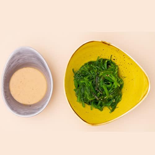 Салат Хіяші з горіховим соусом (110г)