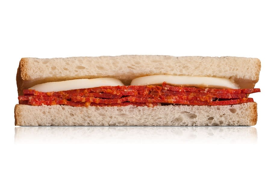 Sándwich Blanco De Chorizo Y Huevo