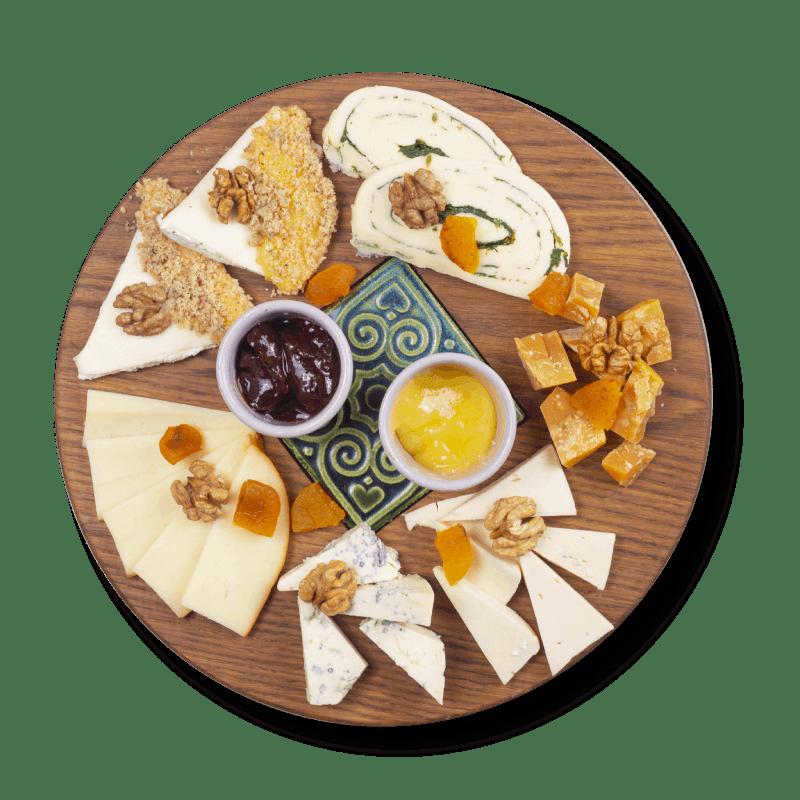 Асорті з домашніх сирів (325г)