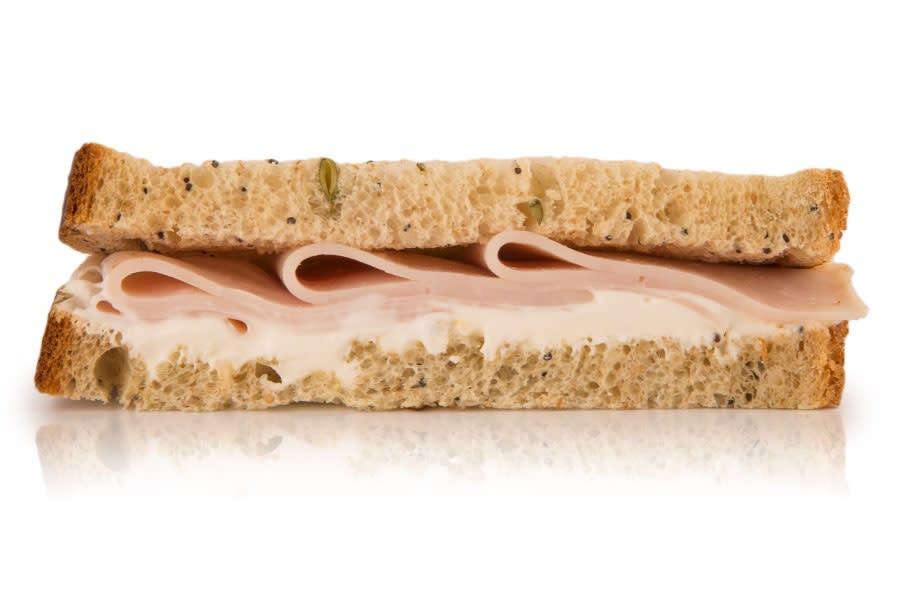 Sándwich Multicereal, Pavo Y Crema De Queso