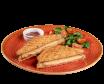 Tost z szynką i serem w zestawie z sałatką