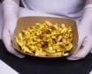 Картопля фрі з золотавою скоринкою та сирним соусом  (240г)