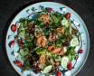 Зелений салат з лососем, Фетою, Рокфором та сезонними ягодами (360г)
