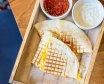 Кесаділья з курчам та двома соусами (230г)