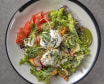 Салат з хрустом та слабосоленим лососем