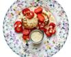 Рум'яні сирники з родзинками і сметаною (200г)