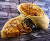 Burrito al pastor con piña y salsa picante de habanero