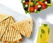 Zestaw Quasadilla z Kurczakiem, sałatka lub ziemniaczki i lemoniada