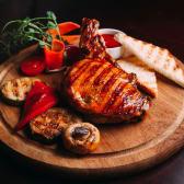 Челагач свинячий фарширований томатами та моцарелою (350г)