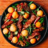 Гаряча сковорідка з телятиною і овочами (330г)