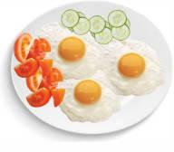 3 fried eggs
