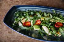 Салат з кальмаром, руколою, в'яленими томатами та авокадо (175г)