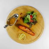 Стейк из семги на гриле со сливочным соусом