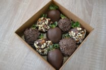 Brown with nuts 9pcs