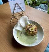 Тартар з лососем і авокадо (200г)