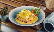 კვერცხი ბენედიქტი ბეკონით