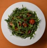 Salata rikola sa cherry rajčicom